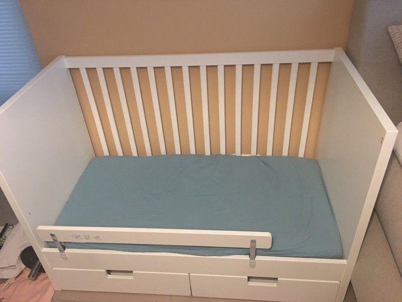 Stuva Bett In 2020 Betten Kaufen Kleiderschrank Fur Dachschrage Brimnes Bett