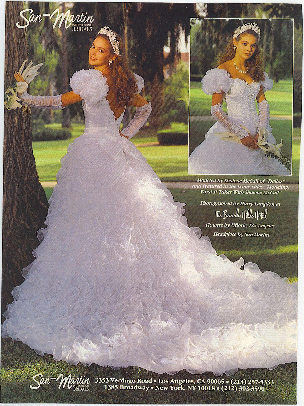 Pin von Gloria Castellano auf 1970\'s - 80\'s & 90\'s Bridal Dresses ...