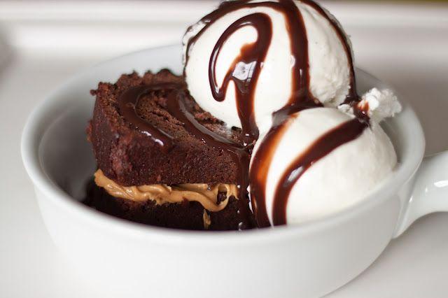 Elizabeth Lou & Company: Dense Triple Chocolate Cake SUNDAE