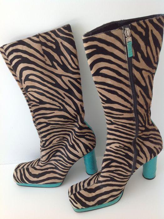 91bd24b2d889 Versace - Laarzen vintage Prachtige en zeldzame Vintage Gianni Versace  laarzen. De laarzen bevinden zich in zeer goede vintage staat. Maat 385 US  8 UK 55.