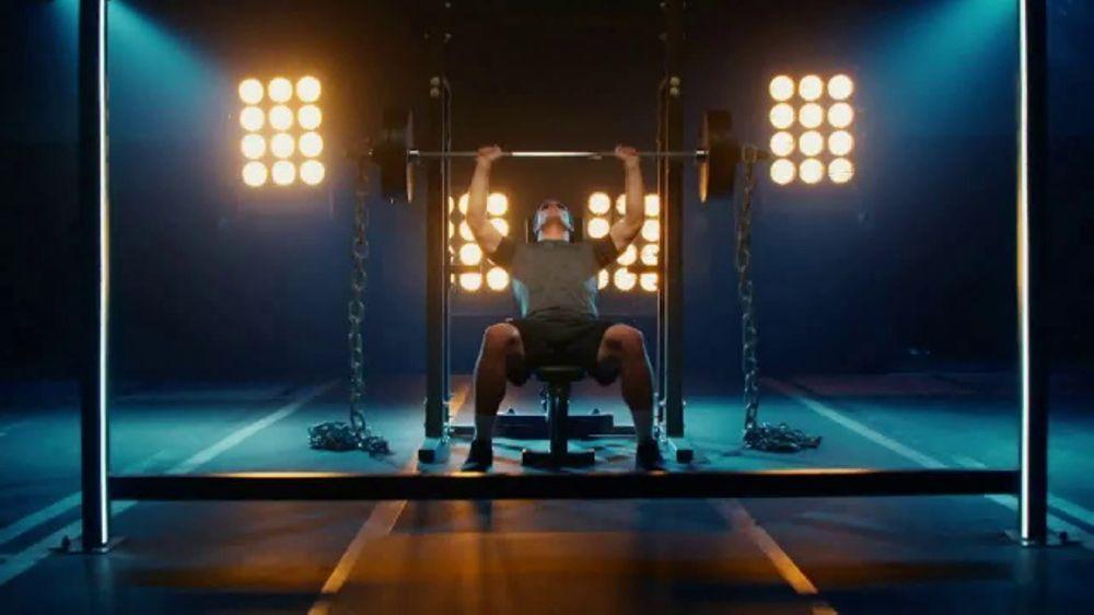 GEICO TV Spot, 'Workout' Featuring Luke Kuechly