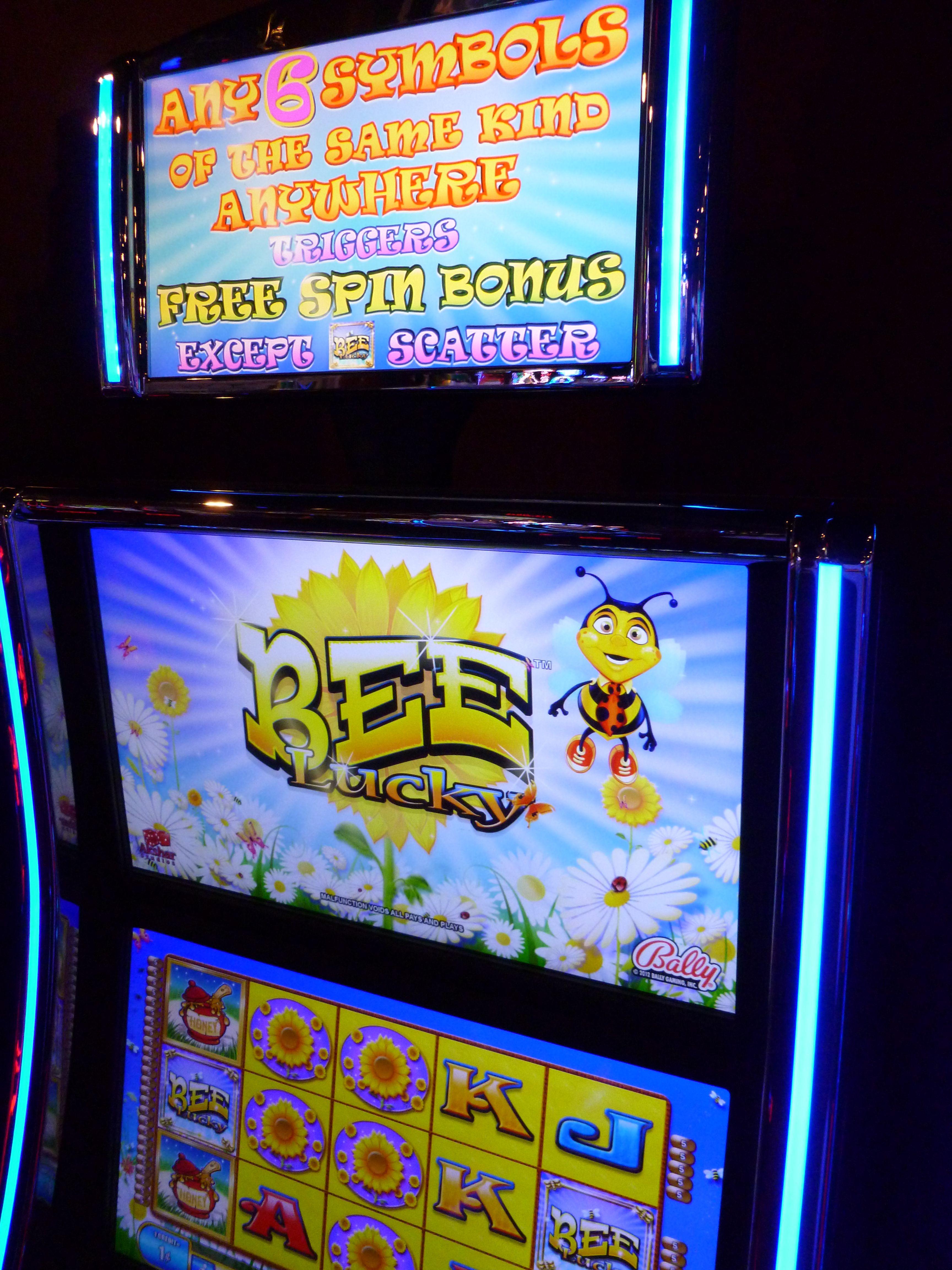 Bee Lucky Games Slot machine, Games, Pinball