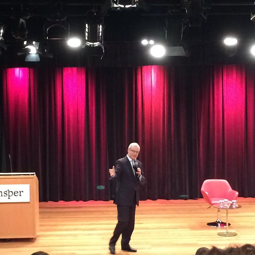 """""""O que é fazer a coisa certa?"""" Michael Sandel no Insper hoje! by germanchoarciniegas"""