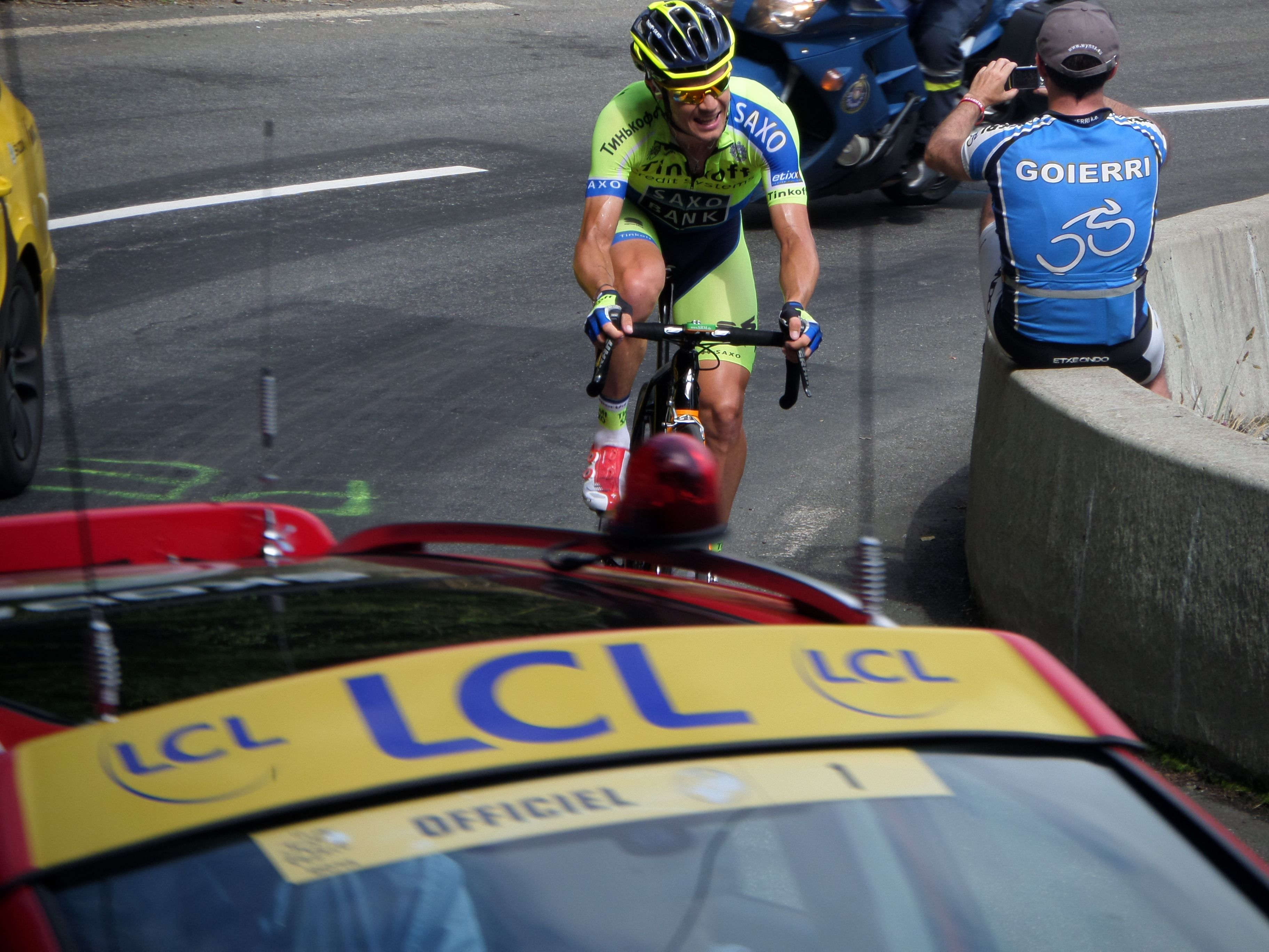 Nicolas Roche's effort on the last climb of the day Pla d'Adet. Stage 17, Tour de France.  http://www.cyclefiesta.com/