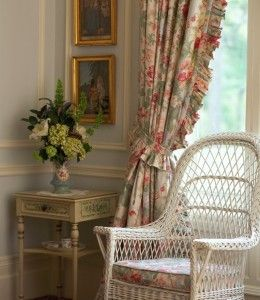Relais & Chateaux - Blantyre is a beautiful country house built amidst 46 hectares of lawn and woodlands, ideally located halfway between Boston and New York City. Blantyre, USA #relaischateaux #room #decoration
