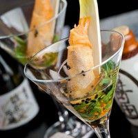 Restaurante Fuku. Harumaki de langostinos, caviar y seta Shitake.