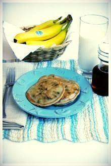 Easy #ChiquitaBanana Chocolate Chip Pancakes Recipe // #Banana #Chocolate #pancakes #breakfast #Ricotta
