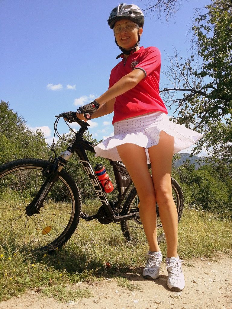 This Girls Will Show How To Ride A Bike In A Dress Cycling Skirt