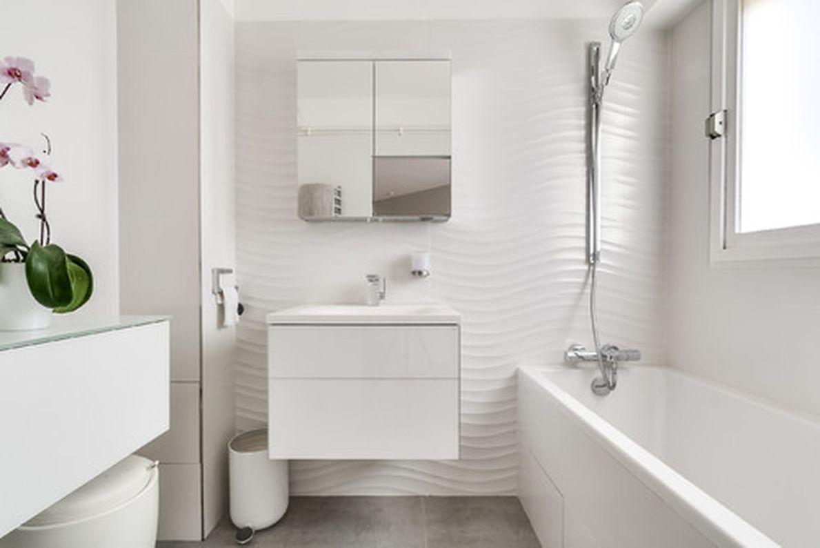 5 tips to make small space bathroom look bigger  bathroom