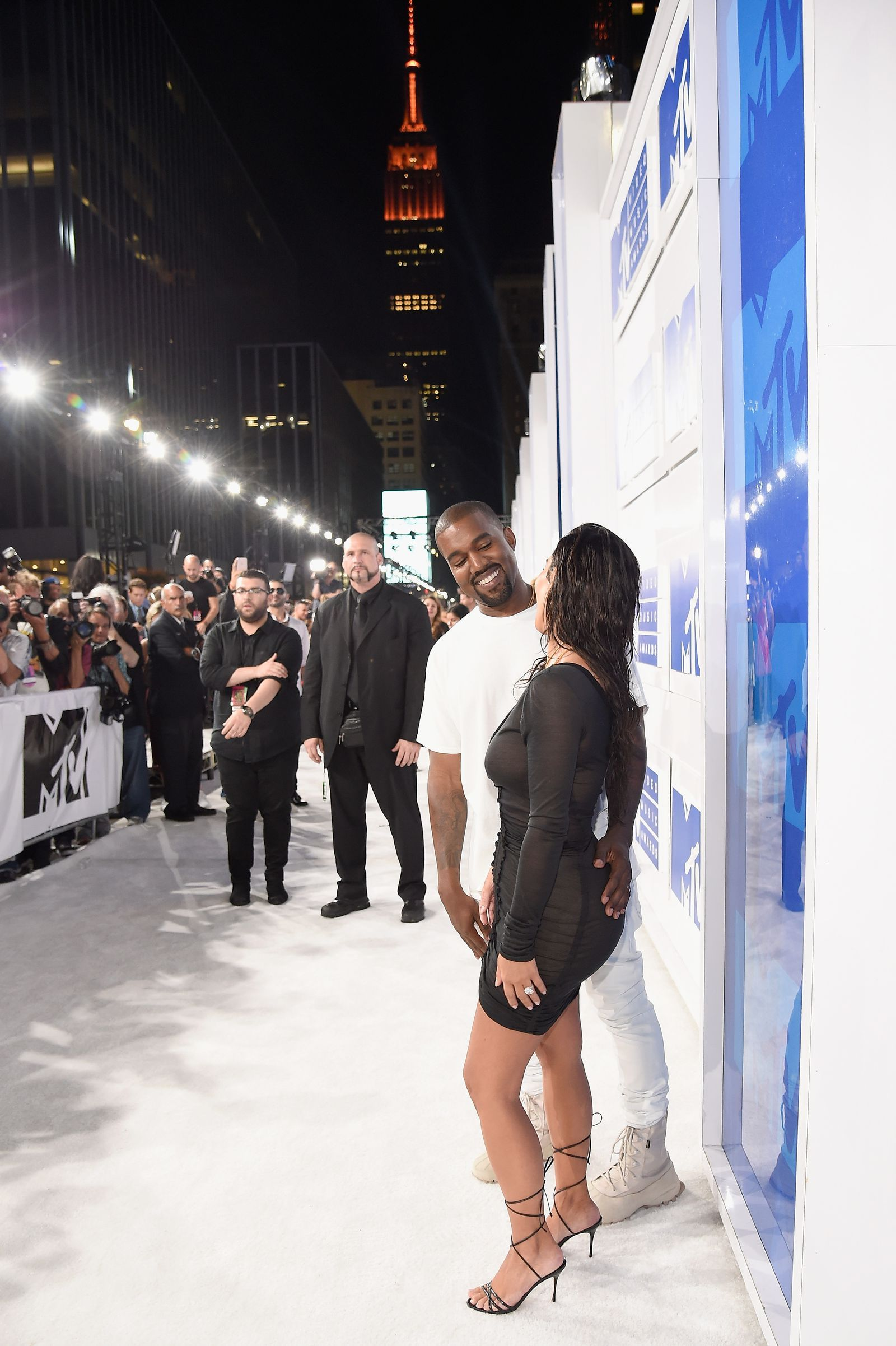 11 Times Kim And Kanye Were The Cutest Couple At The Vmas Kim And Kanye Kanye Fashion Kim Kardashian And Kanye
