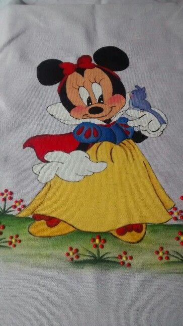 Minnie como branca de neve...