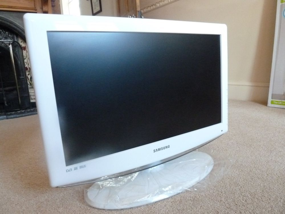Details about Samsung flat screen TV in white - ideal for ...