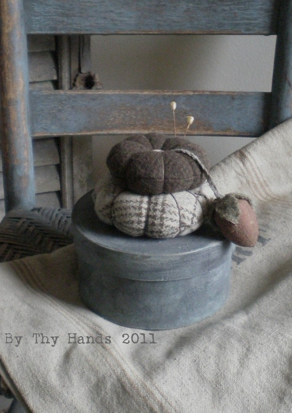 Primitive pin cushion and sewing kit--so cute
