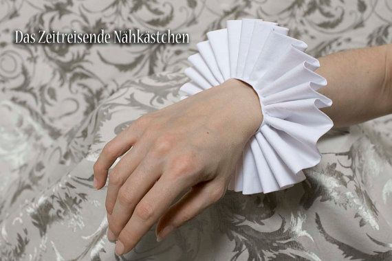 Elizabethan wrist ruffs, Renaissance, Tudor, Cosplay | The Time ...