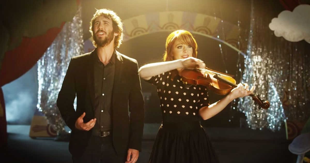There is no doubt Josh Groban and Lindsey Stirling are incredibly talented. And when I heard they were performing 'Pure Imagination' I just about melted. But when I saw the Muppets were playing with them too I couldn't wait to hit 'play'! Okay this put the biggest smile on my face. How precious.
