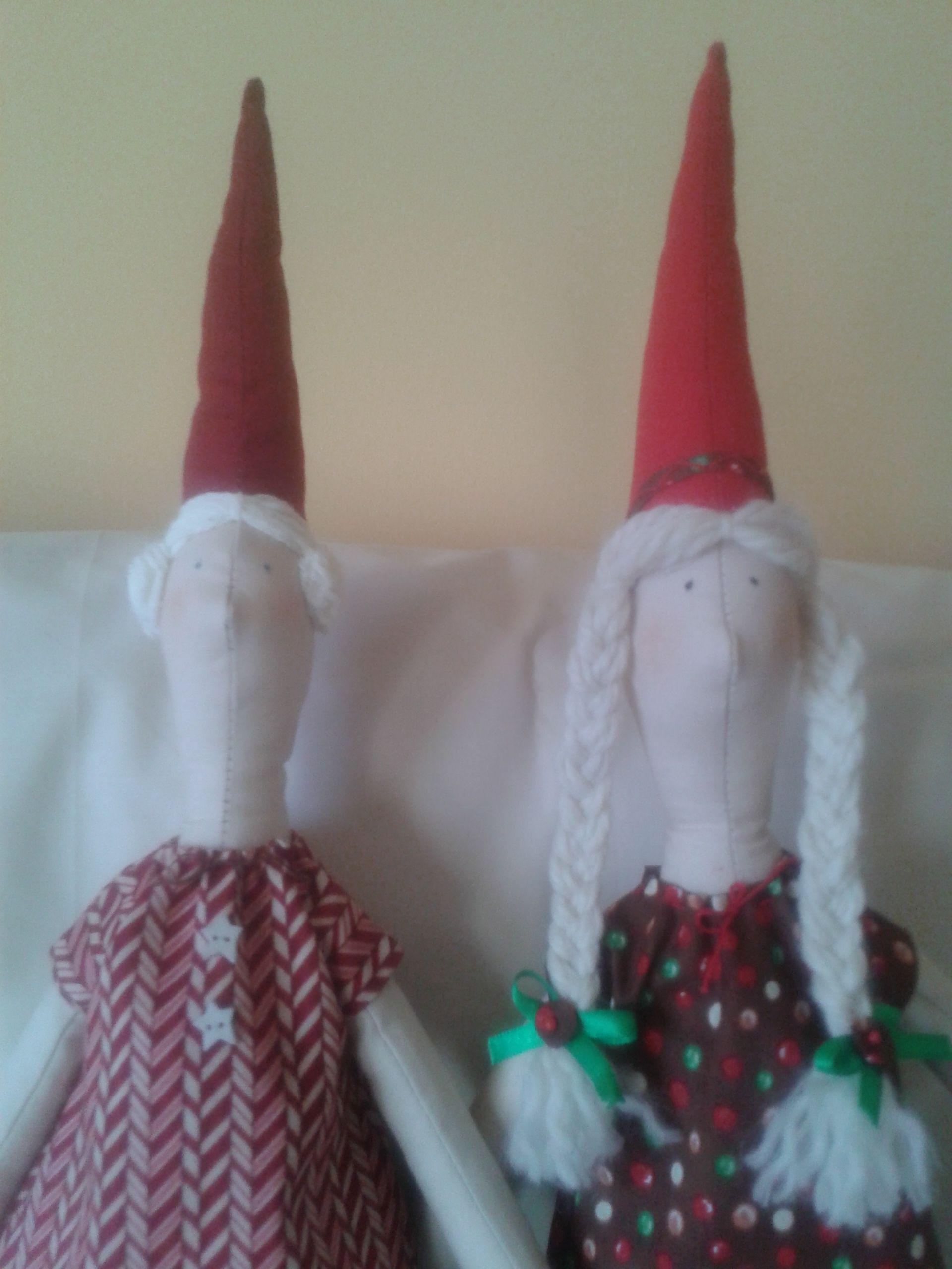 Las hice para regalo de Navidad, con patrones de una revista de Tildas.