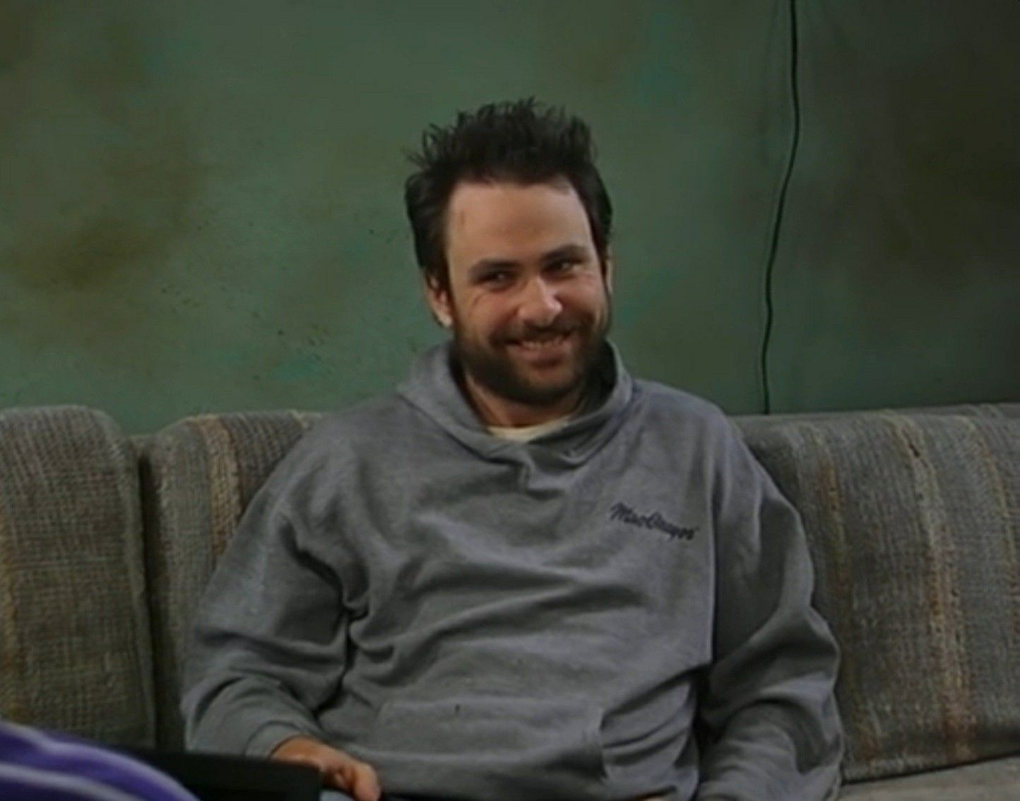 iasip-charlie-dating-profile-hollywood