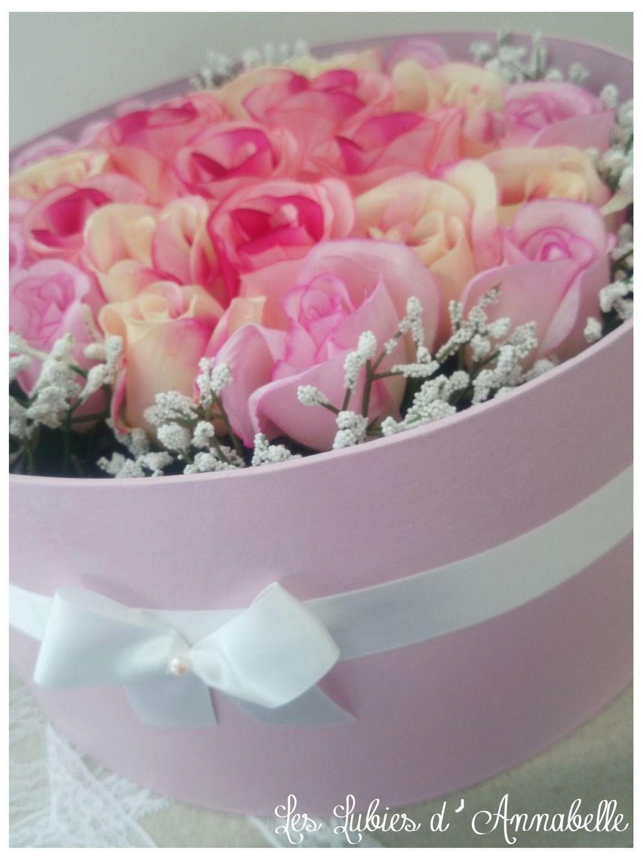 Grand centre de table composition florale shabby chic for Bouquet de fleurs dans une boite