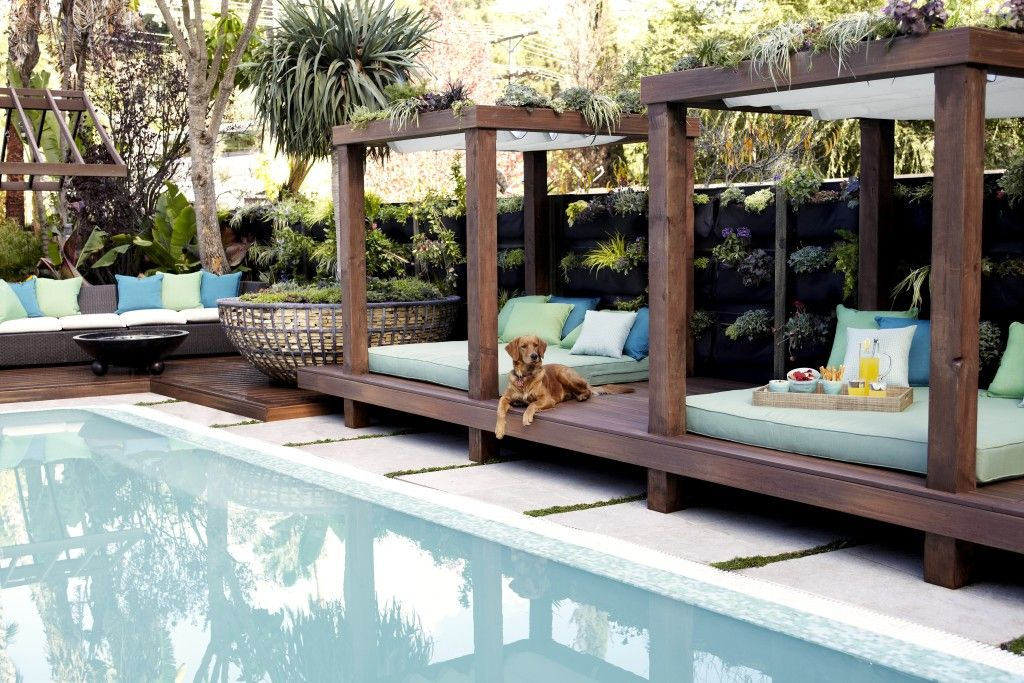 It S A Dogs Life The Outdoor Bedroom In Jami Es La Garden Photo Courtesy Jamie Durie Design