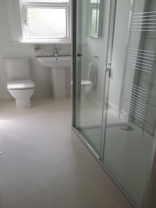 Low Cost Vinyl Flooring In A Bathroom Installation Project By Uk