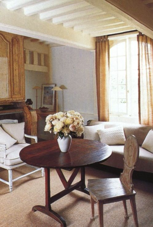 COTTAGE GETAWAY   Mark D. Sikes: Chic People, Glamorous Places, Stylish Things