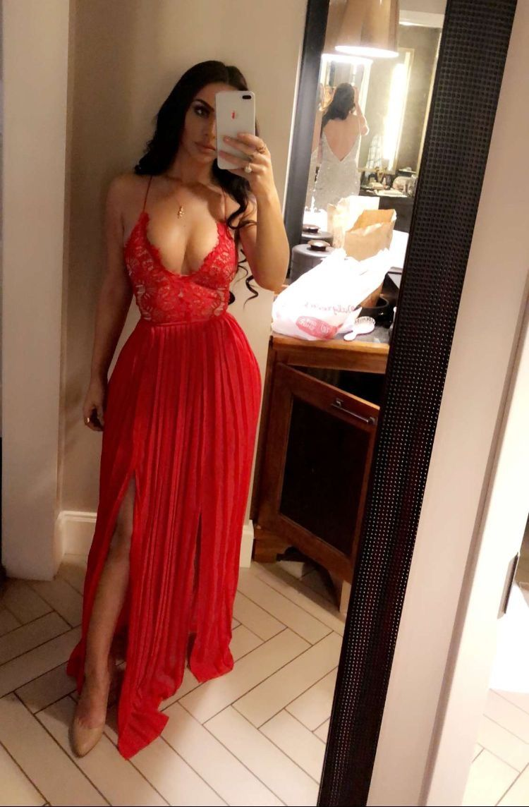 Pin by melinda rodriguez on gettinu sexified in dresses prom