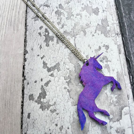Hey, I found this really awesome Etsy listing at https://www.etsy.com/uk/listing/257901602/glitter-sparkle-unicorn-necklace