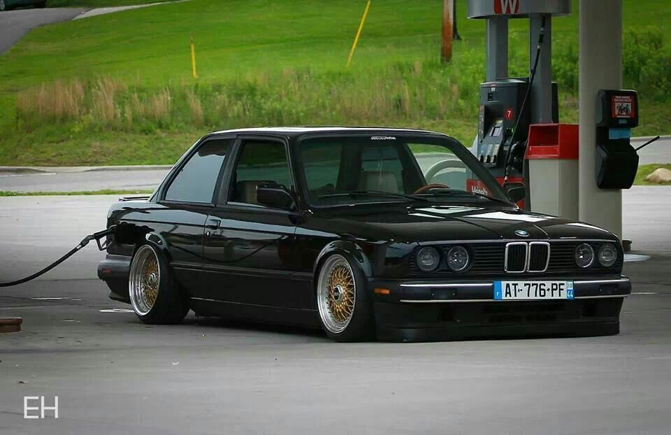 bmw e30 3 series black slammed older beemers pinterest bmw e30 e30 and bmw. Black Bedroom Furniture Sets. Home Design Ideas