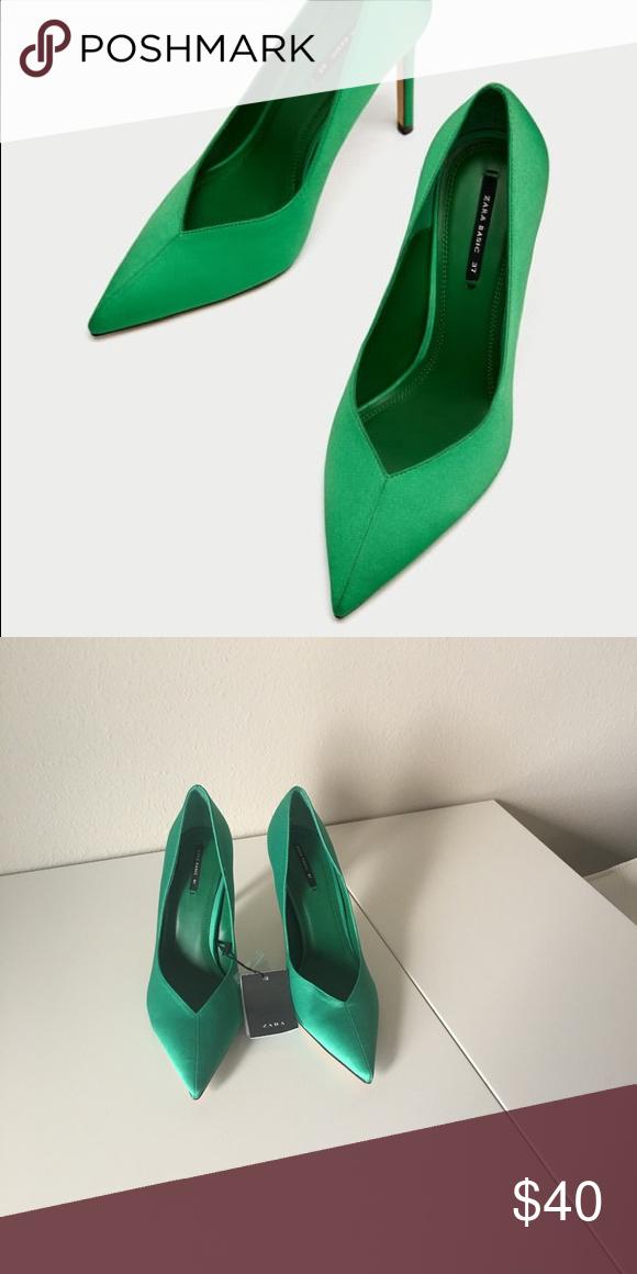 d2d497eebd2 Zara heel Beautiful Kelly green pumps with satin finish Zara Shoes Heels