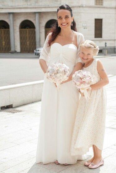 Me and my daughter.... the perfect bridesmaid of honour ♥