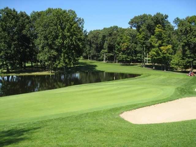 Apple Valley Golf Club In Howard Golf Golf Courses Golf Clubs
