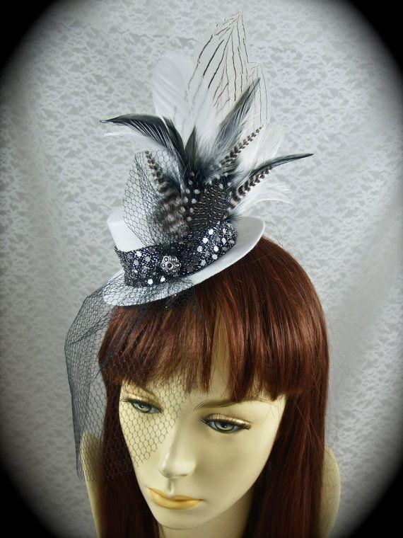 Steampunk Outfits. Bridal Veils. Silver Glitter. Wedding Accessories. Mini  Top Hat Fascinator Hair Clip -