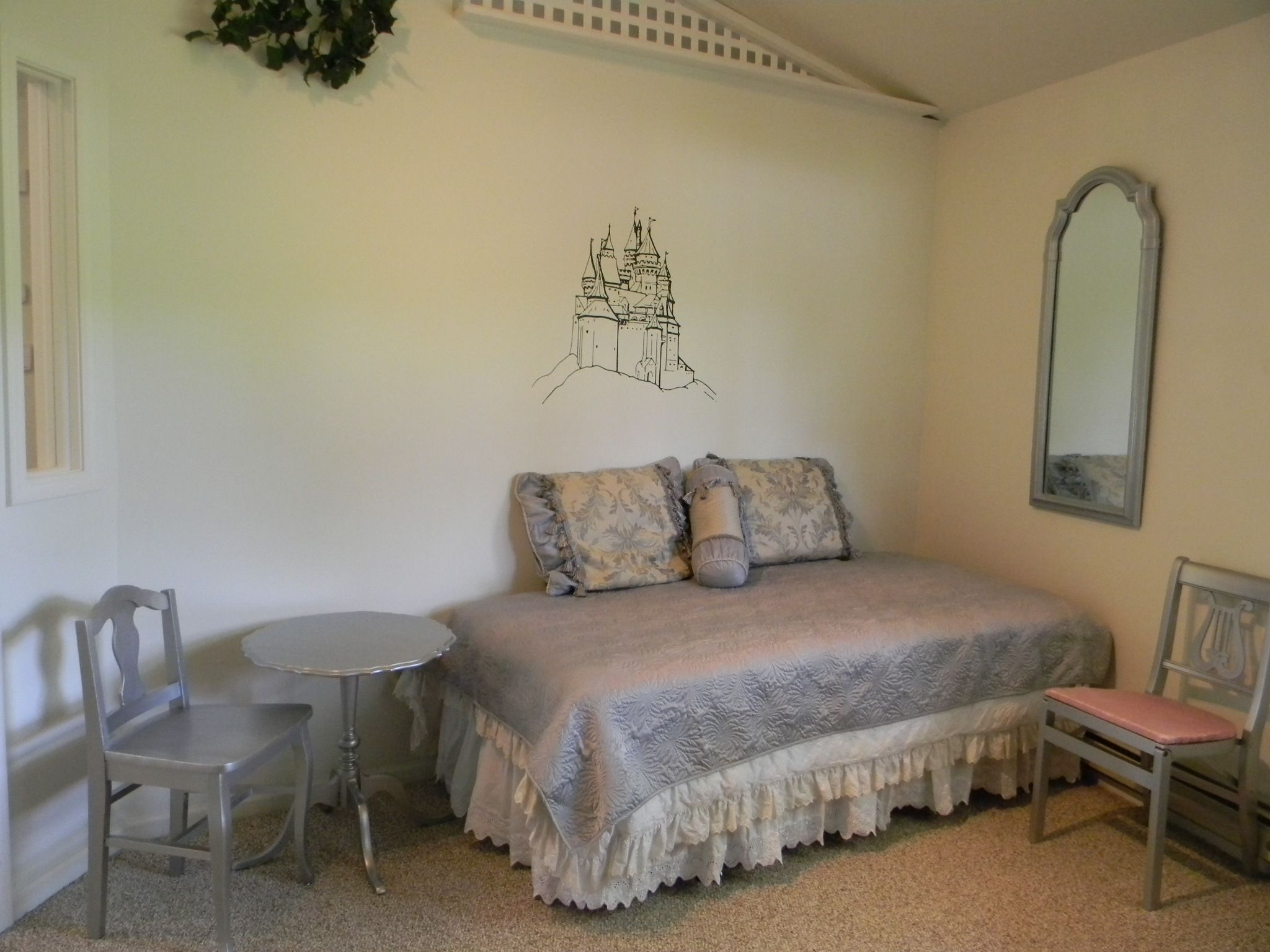 fairy tale rooms images the cottages fairy tail room rh pinterest ca fairy tail room design fairy tail lucy's room