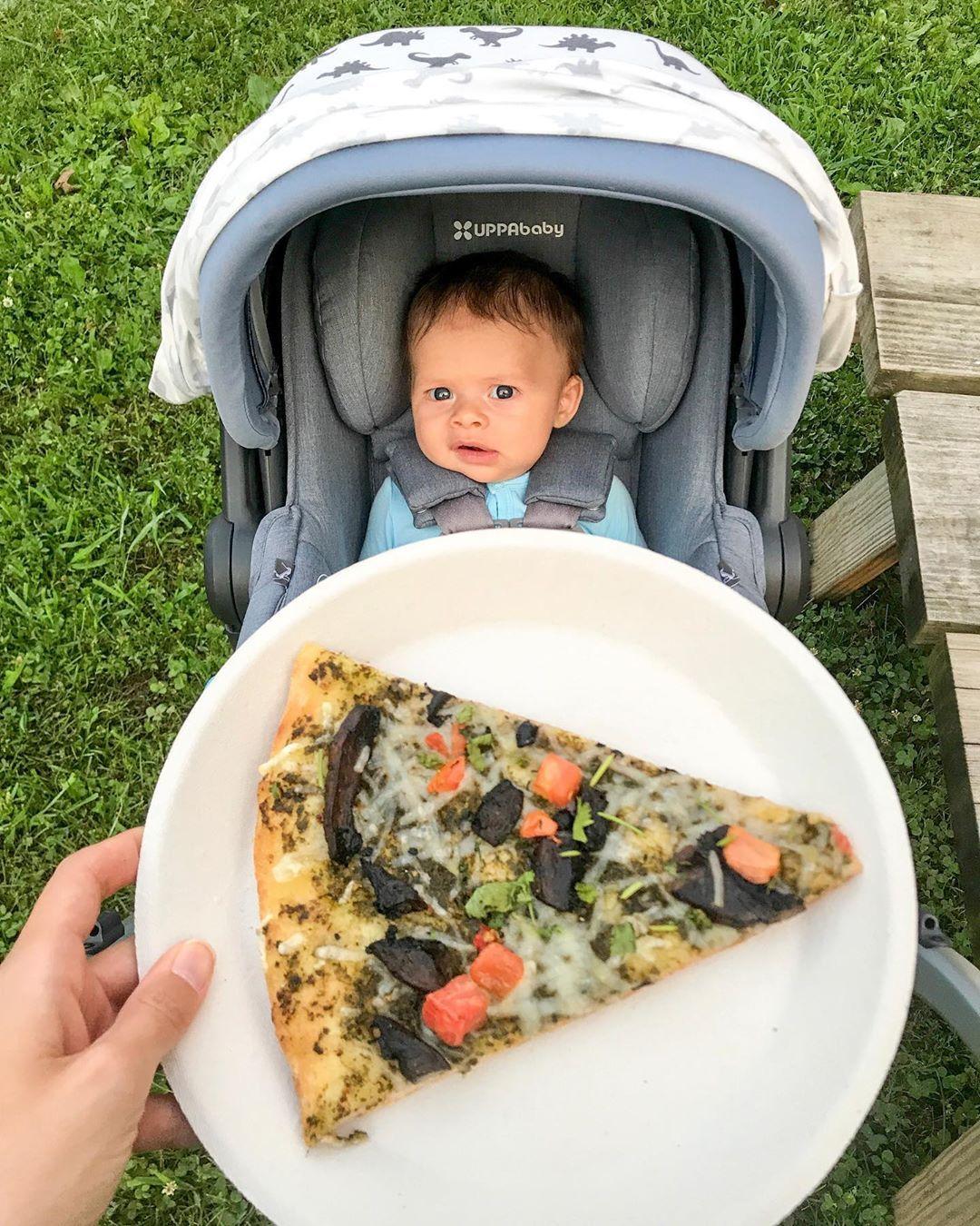 Vegan pizza at the park 👌🏼 tonight we had @veggiecrust for dinner! Patrick and I had the pesto portabella pizza and Saffy had a broccoli pizza. Soren had milk 🤱🏻👶🏻 • • %