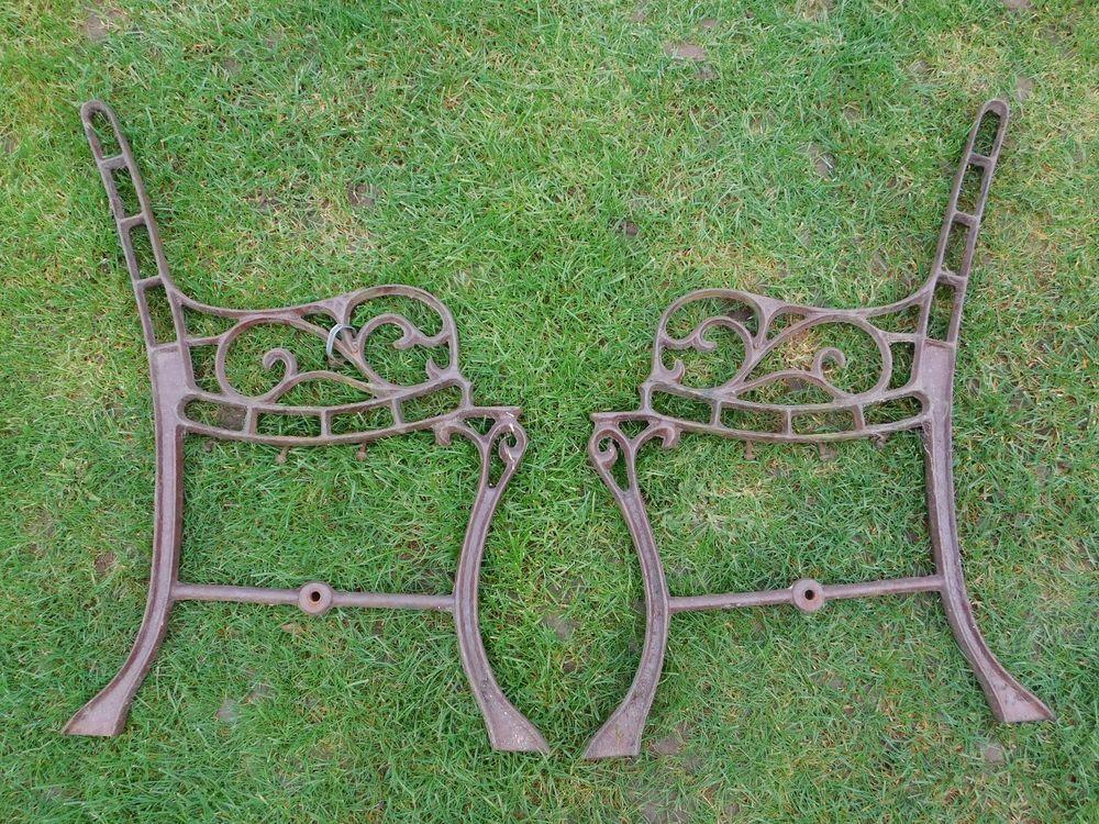 Paire De Pieds De Banc Ancien En Fonte A Renover Deco Jardin Restauration Deco Jardin Meuble Jardin Deco