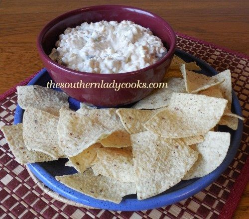My family loves dip.  I make it a lot and this Shoepeg Corn Dip is one of our favorites.  I made this over the weekend and thought I had the recipe on the website but realized it was not.  This dip...