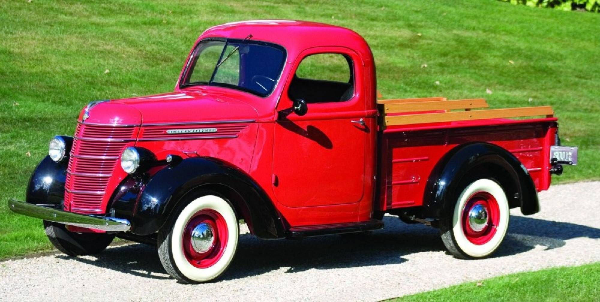 Rarely seen today international s kb series pickups for 1949 are among the best built and most stylish trucks of their era post war diamonds 1949