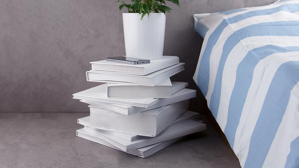 tuto recycler des livres anciens pour fabriquer une. Black Bedroom Furniture Sets. Home Design Ideas