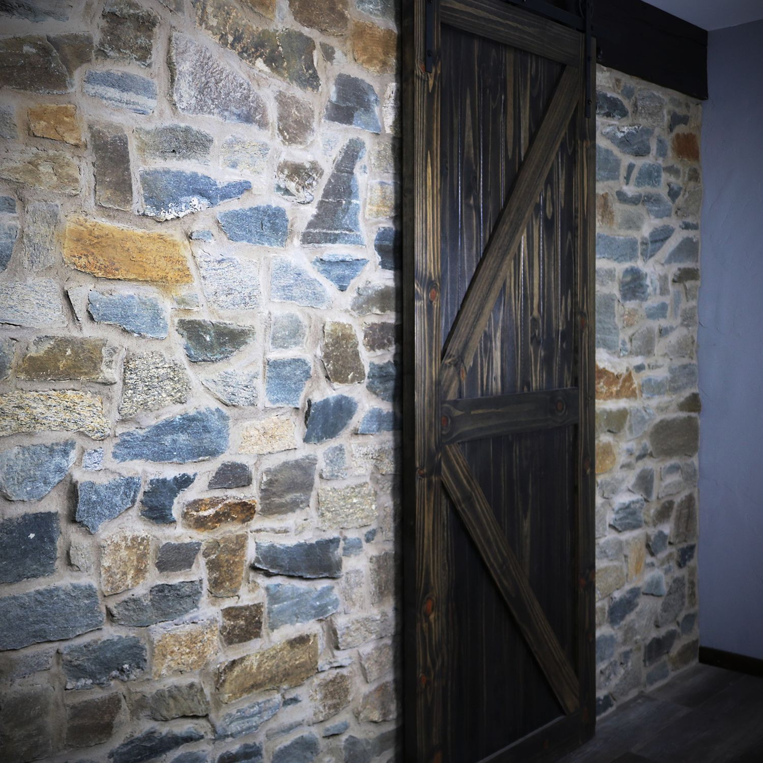 This Interior Stone Wall Is A Gorgeous E G Of An Interior Stone Veneer Idea Using Spalted Oak Siena Fieldled With Images Exterior Stone Stone Walls Interior Stone Masonry