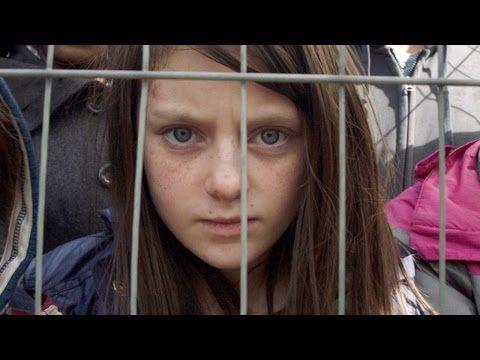 Dois anos depois, a vida de uma menina continua sendo destruída um segundo por dia