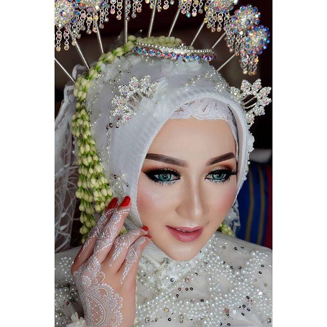 Wanto Wedding Gallery Lamongan On Instagram Spesial Pengantin Soloputri Muslim Tanpa Paes Make Up Wwglamo Kerudung Pengantin Pengantin Rias Wajah Pengantin