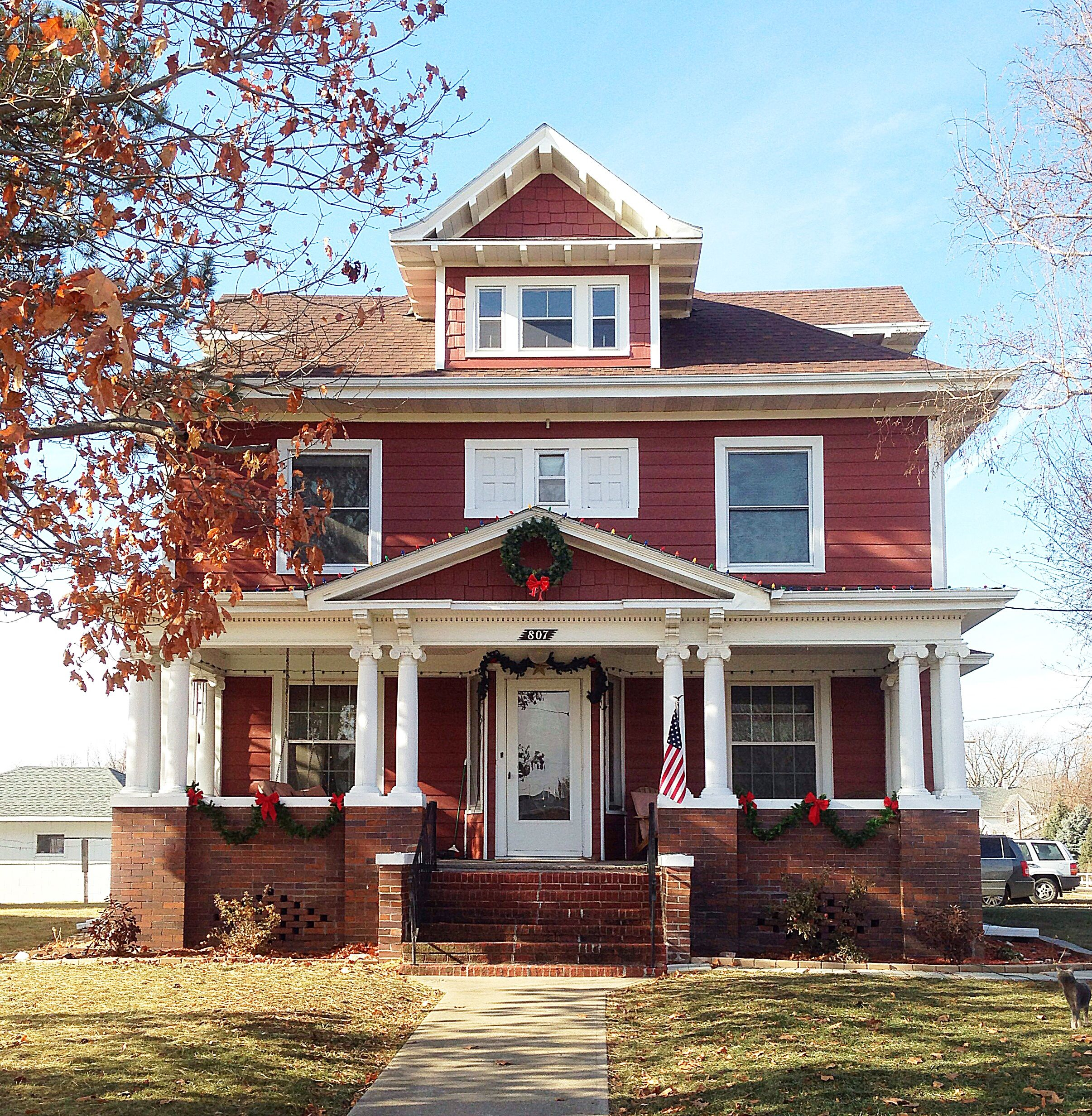 American foursquare craftsman house red house for American craftsman home plans