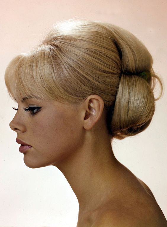 Britt Ekland With Bangs And Lovely Updo Vintage Hairstyles Hair Styles Retro Hairstyles