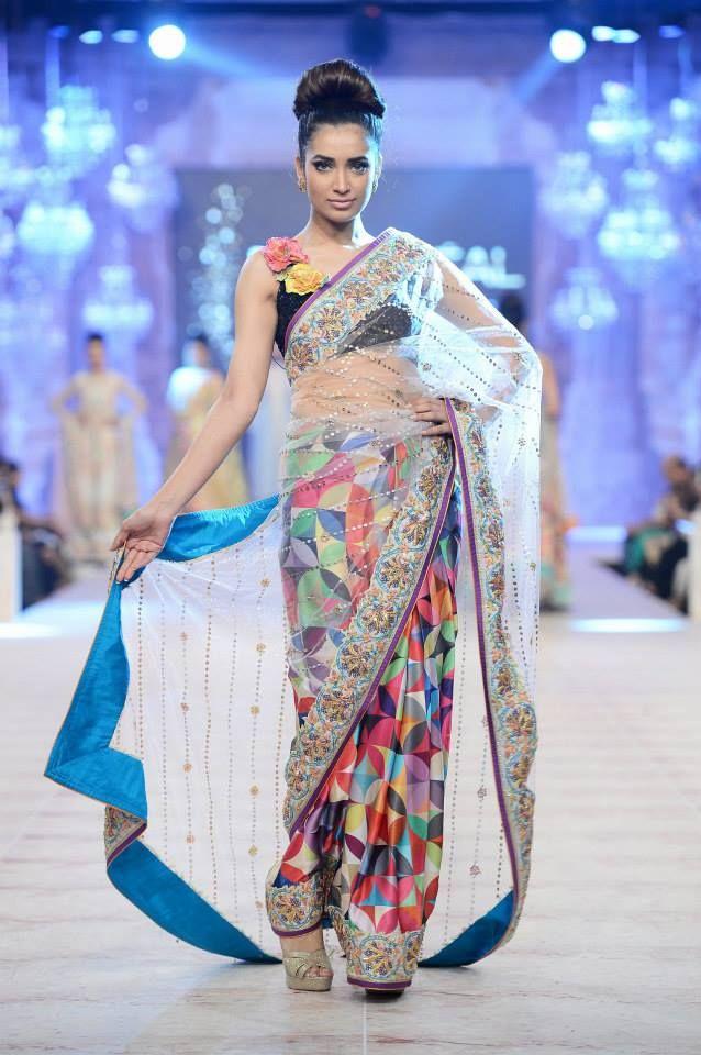 4c3e65b50a9b41 Nomi Ansari Pakistani Designer Clothes