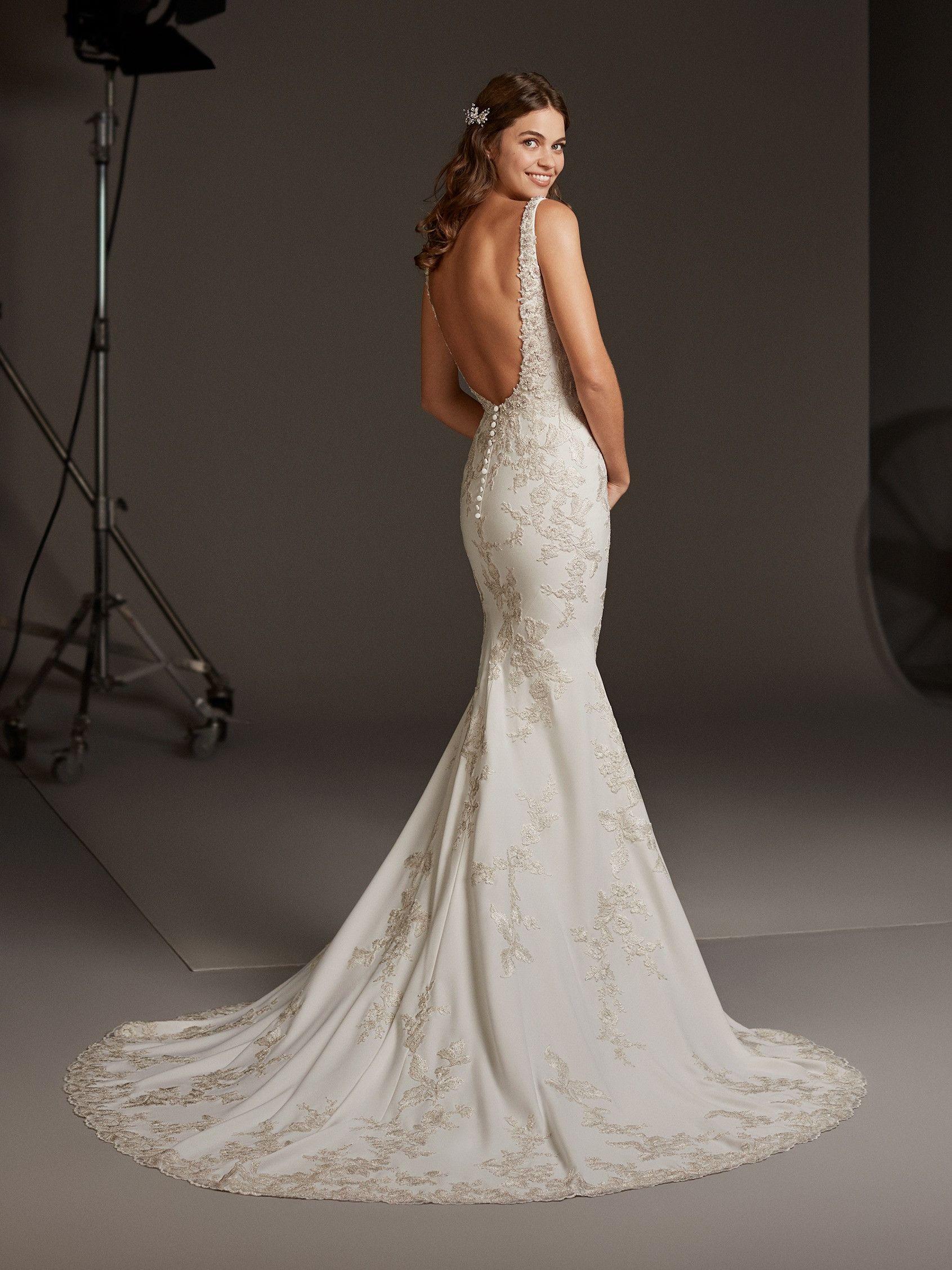 Pin by J S on ????????? ?????? 20   Wedding dresses, Pronovias ...