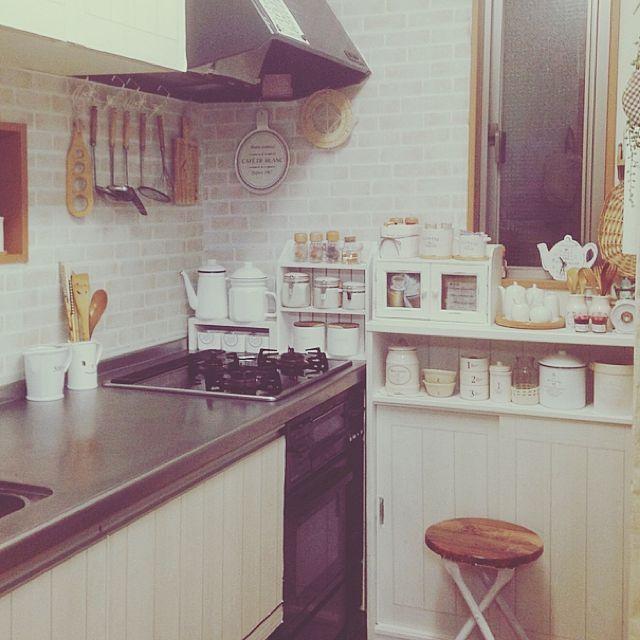 キッチン Salut 3coins 見せる収納 子供と暮らす などのインテリア