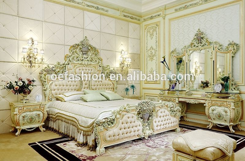Italian / French Rococo Luxury Bedroom Furniture , Dubai Luxury Beds - Italian Bedroom Sets