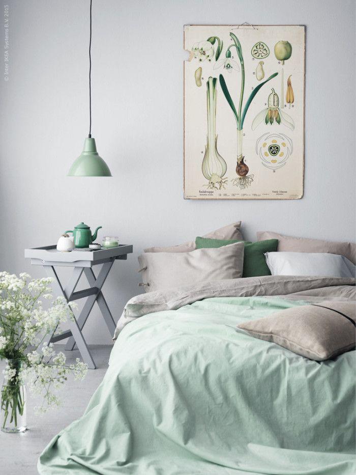 Une chambre aux tons pastels : gris et vert menthe, agréable et ...