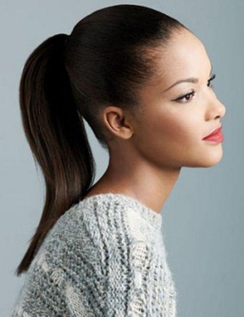 Aquí encontrarás peinados fáciles; pero muy hermosos y modernos. Así que, te recomiendo leer este artículo con mucha atención... http://imagenesdepeinados.com/peinados-fiesta-cabello-largo/