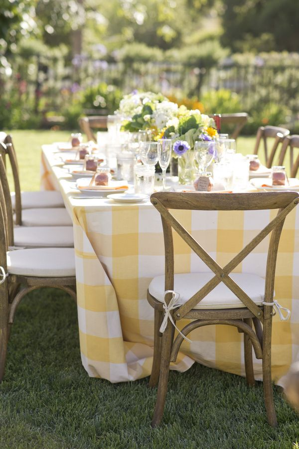 Merveilleux A Fun Tablecloth For Either The Bistro Tables Or Dining Tables. | Yellow  And White Table Cloth In Backyard Wedding Reception